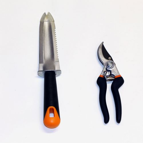 Weeding knife blade has a protective coating. Pruner blade has coating to reduce resistance.