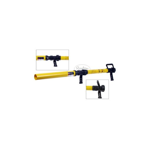 The two piston grips allows the user to conveniently and comfortably apply foams or wetting agents onto a fire scene.
