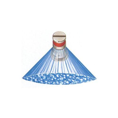 Flat fan spray pattern.