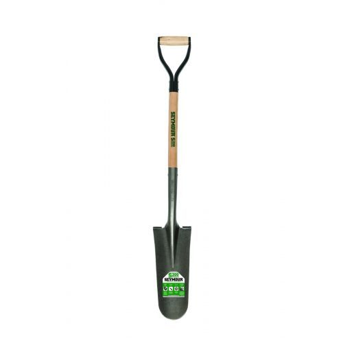 The carbon steel head features a forward turned footstep that allows you to easily dig up the ground.