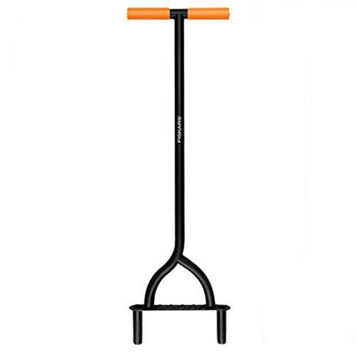 Easily penetrate soil with the Fiskars 9862 Coring Aerator and start improving the health of your lawn today.